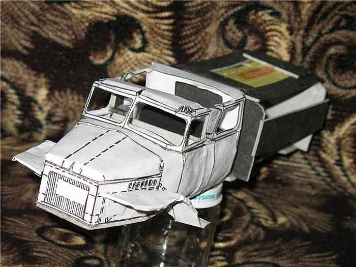 Урал 375, простой и пожарный, модель из бумаги, музей на столе