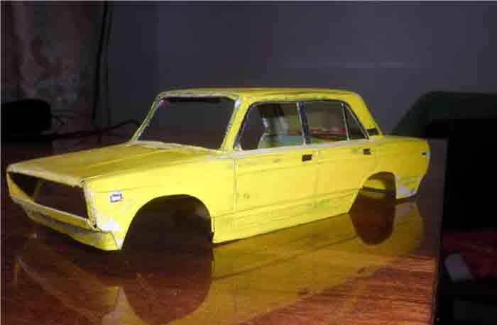 ВАЗ 2107, модель из бумаги, музей на столе