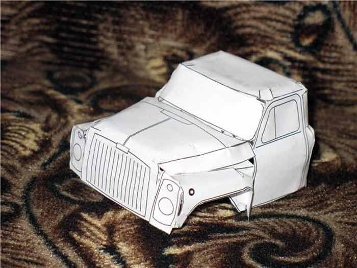 ГАЗ 53, модель из бумаги, музей на столе