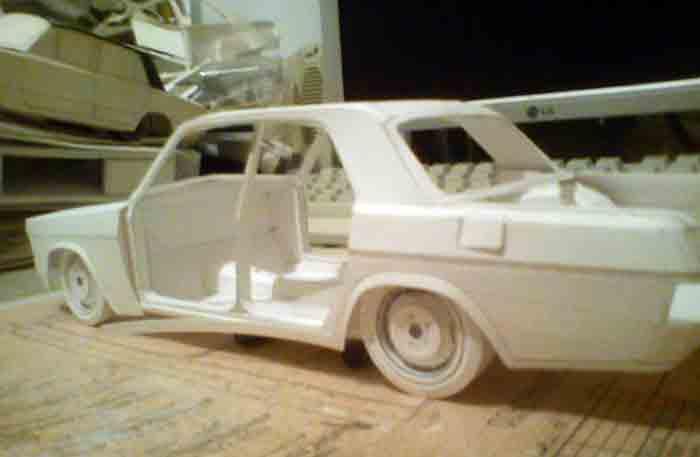ГАЗ 31022, модель из бумаги, музей на столе