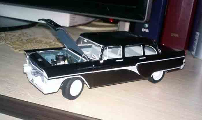 ГАЗ 13, Чайка, модель из бумаги, музей на столе