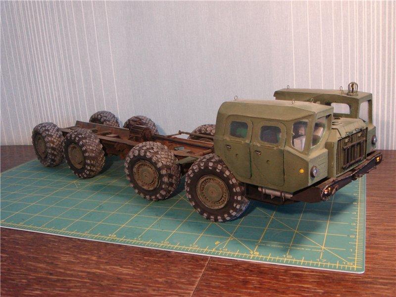 МАЗ 543, музей на столе, модель из бумаги
