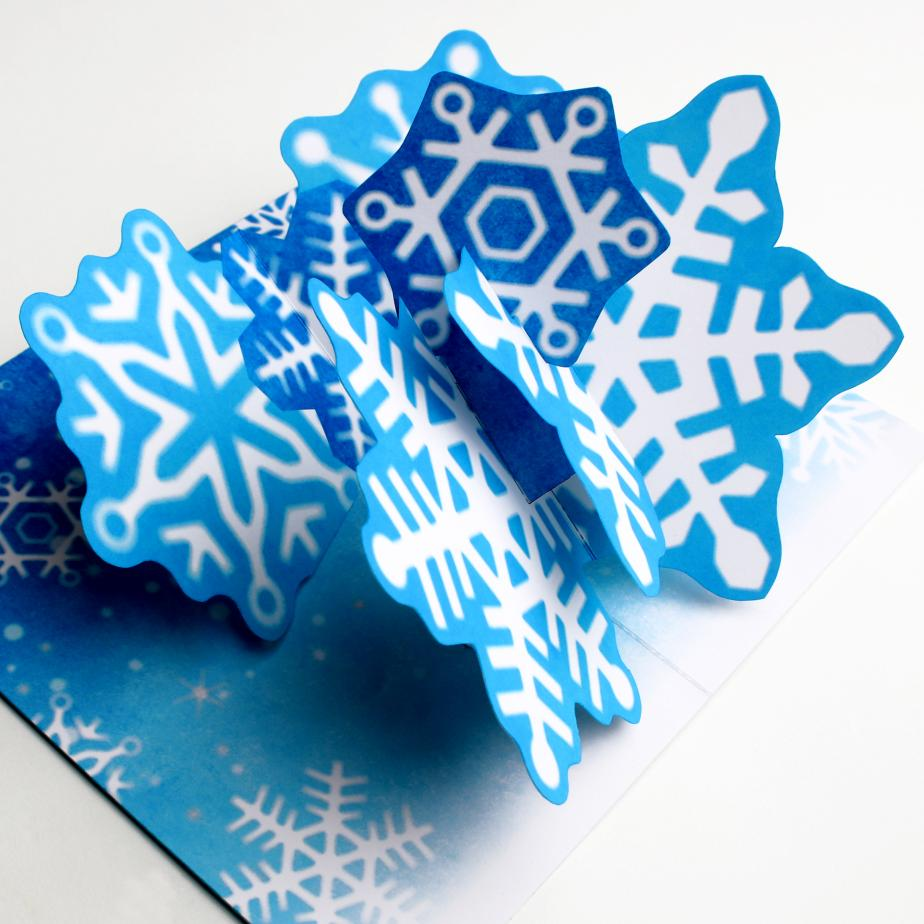 Новогодняя объёмная открытка Снежинка из бумаги своими руками