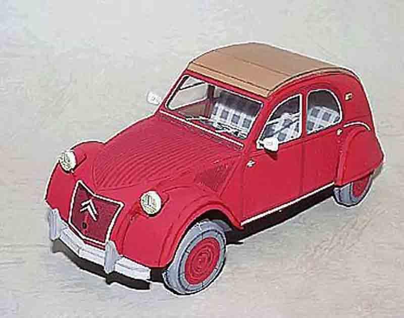 Ситроен 2CV, модель из бумаги, музей на столе