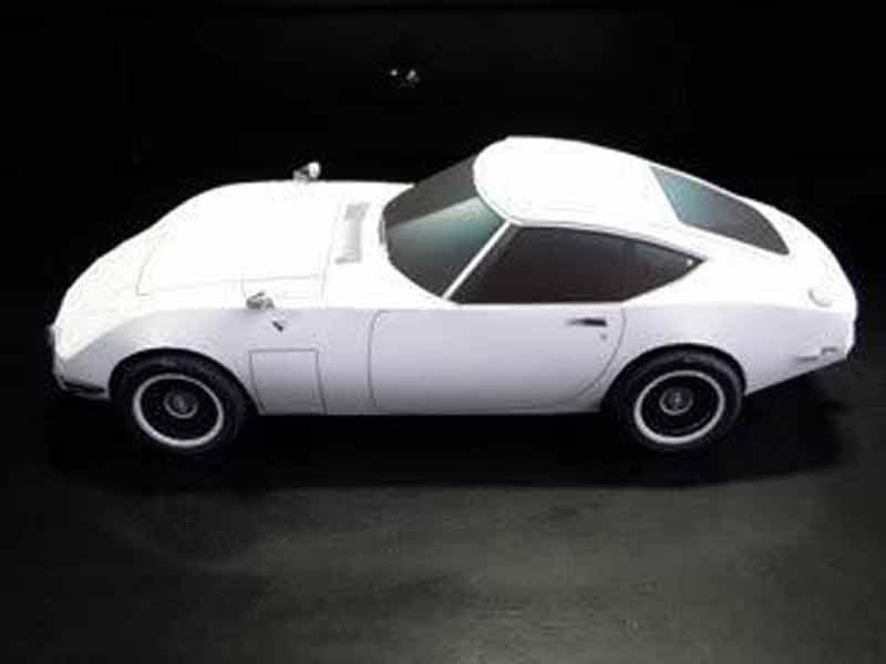 TOYOTA 2000GT, модель из бумаги, музей на столе