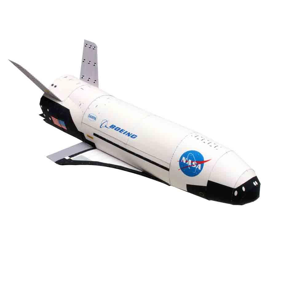 Boeing X-37, модель из бумаги, музей на столе