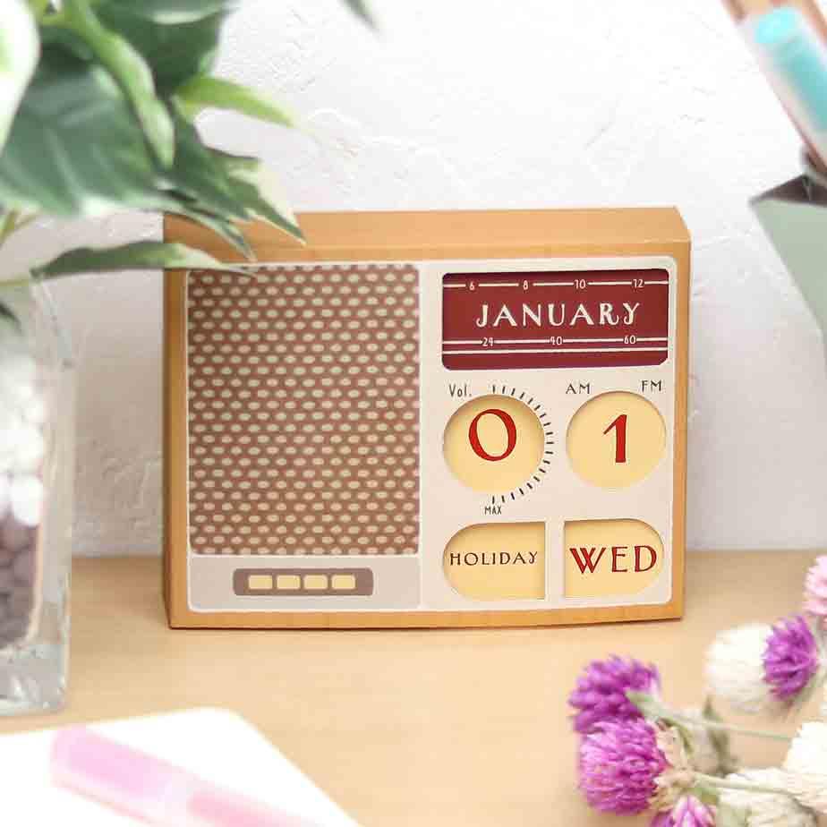 Вечный календарь, ретро радио, модель из бумаги