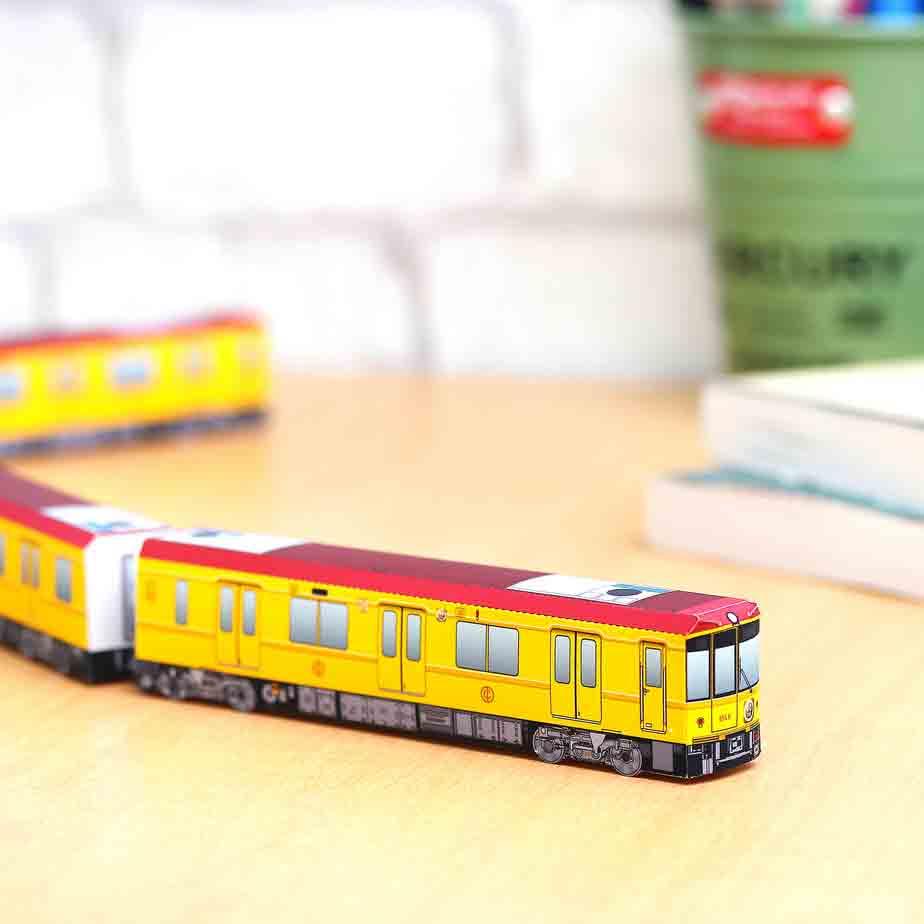 Серия 1000 для метро Токио со специальными вагонами