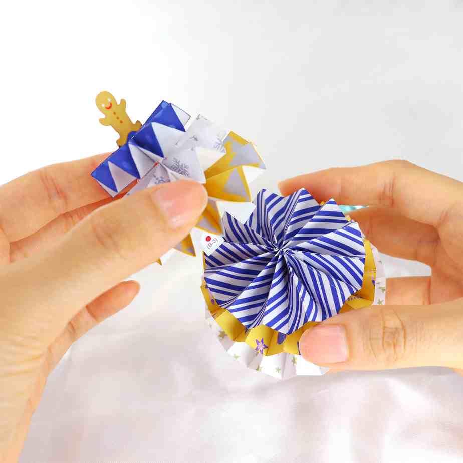 Новогодняя ёлка, веер, поделка из бумаги