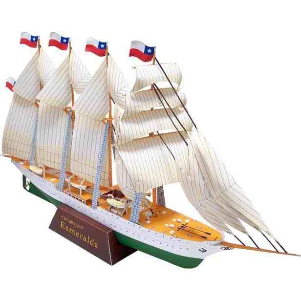 Парусник (Эсмеральда), музей на столе, модель из бумаги